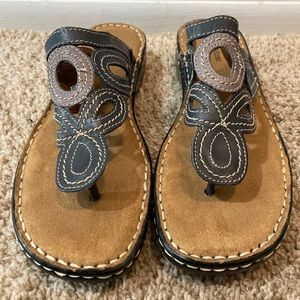 Naturalizer women sandals size 9